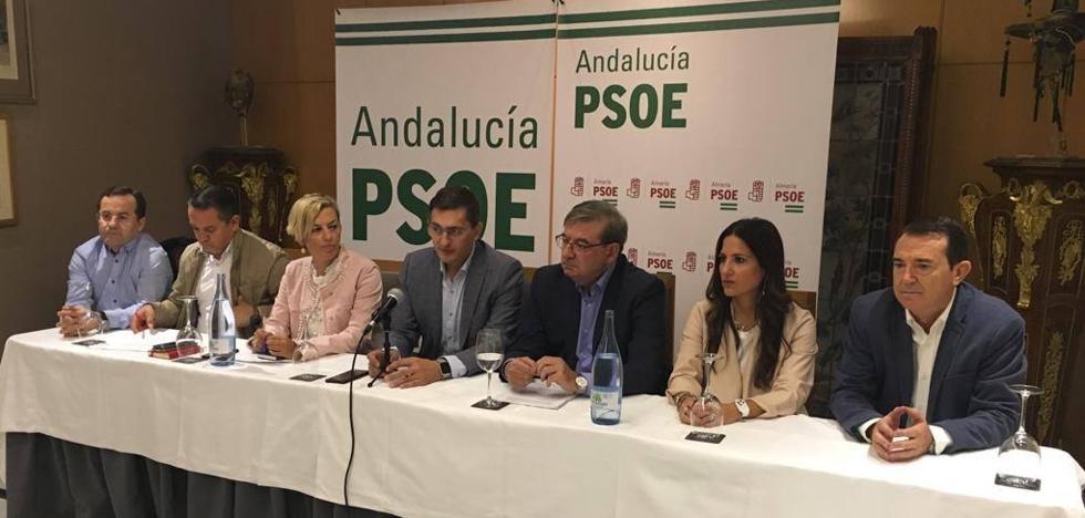 El PSOE reconoce un parón en el soterramiento de El Puche y lo vincula a una mejora inminente en el proyecto