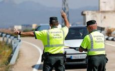 La Guardia Civil advierte de la 'camiseta anti multas': «No te pases de listo»