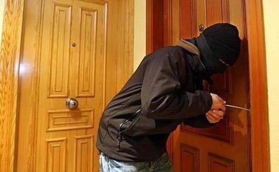Así es el método del «resbalón» con el que actuaban las ladronas detenidas en Granada