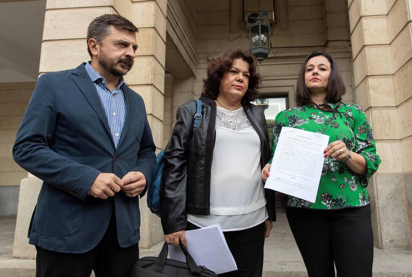 El PP andaluz lleva a la Fiscalía la supuesta compra de votos del PSOE en Sevilla