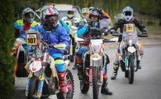 Los motoristas del 1.000 Dunas Raid salen de Granada rumbo a la odisea africana