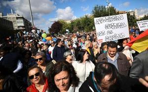 Miles de personas se manifiestan en Granada para pedir «justicia por la sanidad»