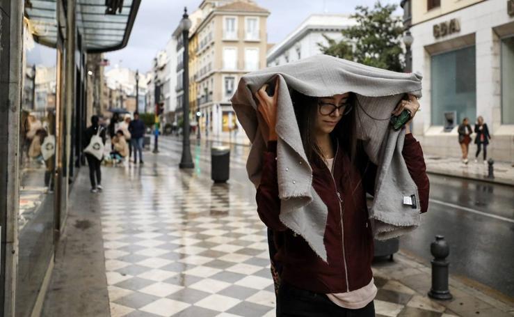La lluvia llega con fuerza a Granada