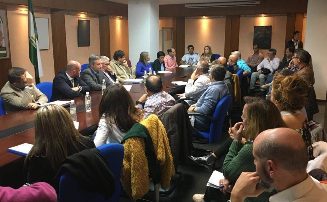 El debate sobre los comedores escolares llega al Parlamento ...