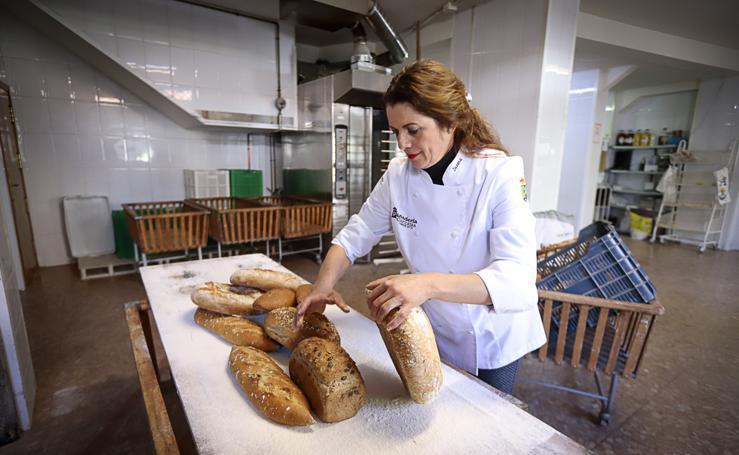 Así se hacen los panes granadinos que están entre los mejores de España