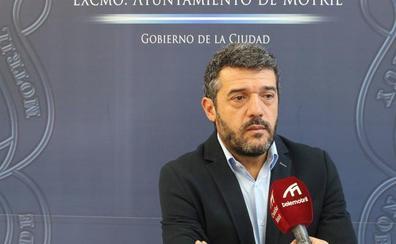 El PSOE critica que el gobierno motrileño suba el sueldo de los concejales y no baje los impuestos