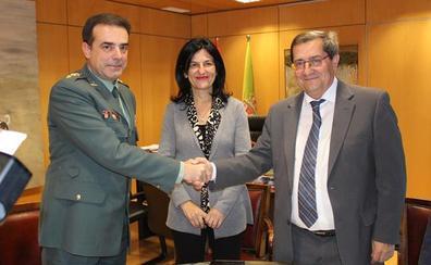 Guardia Civil y Diputación de Granada firman un acuerdo de colaboración para realizar obras en acuartelamientos de la provincia