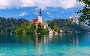 Estos son los motivos para viajar a Eslovenia, un destino de playa, montaña y buena comida