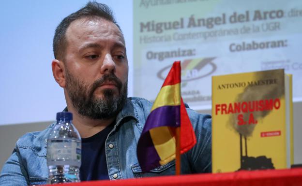 El periodista Antonio Maestre, ayer en Granada./FERMÍN RODRÍGUEZ