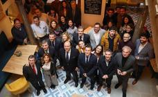 El Ayuntamiento de Granada celebra un desayuno con la prensa