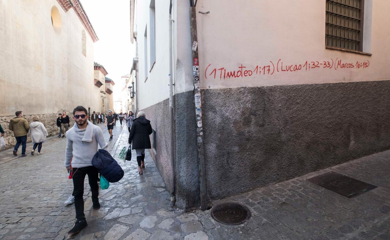 Pintadas En Granada Qué Quieren Decir Las Citas Bíblicas