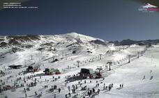 Sierra Nevada cierra la Navidad con 140.000 esquiadores y 40.000 visitantes