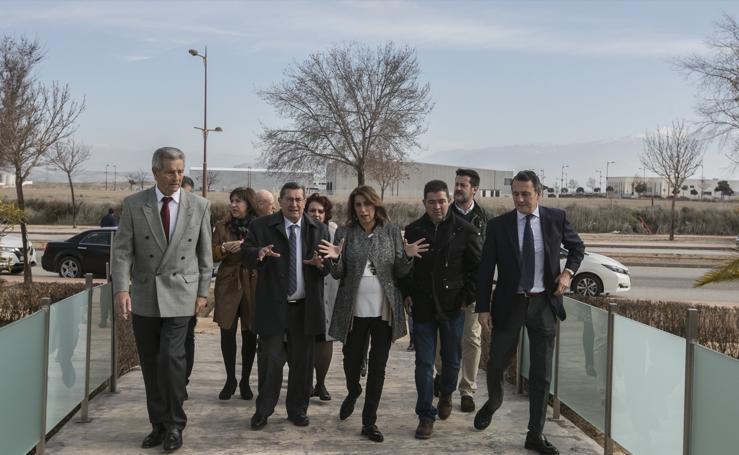 Así ha sido la visita de Susana Díaz al polígono industrial de Escúzar