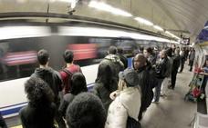Casi cuatro millones de usuarios pagan con el móvil el metro y el autobús