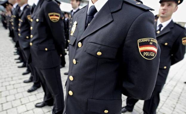 Imagen de archivo de agentes de la Policía Nacional/Manuel Bruque