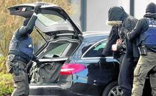 Desarticulan un grupo neonazi que planeaba ataques a mezquitas en Alemania