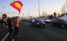 Así te hemos contado la protesta desde el amanecer hasta la apertura de la autovía