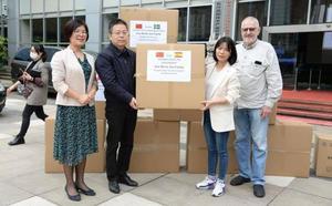 Dos lotes de mascarillas y test rápidos para Granada, retenidos en China a falta de un permiso del Gobierno