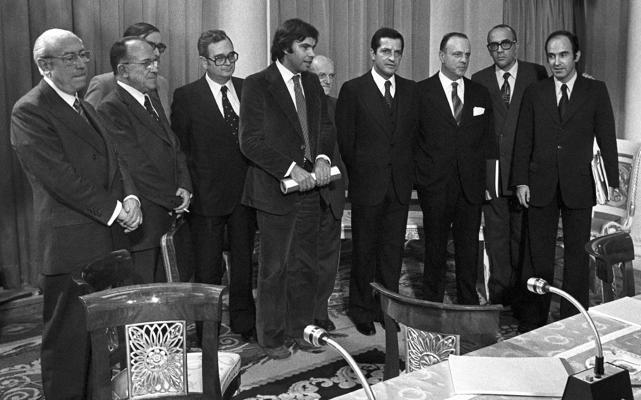 El Gobierno evoca los Pactos de la Moncloa para escepticismo de socios y oposición