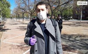 El redactor de IDEAL Sergio González Hueso da la última hora de los controles policiales en Granada