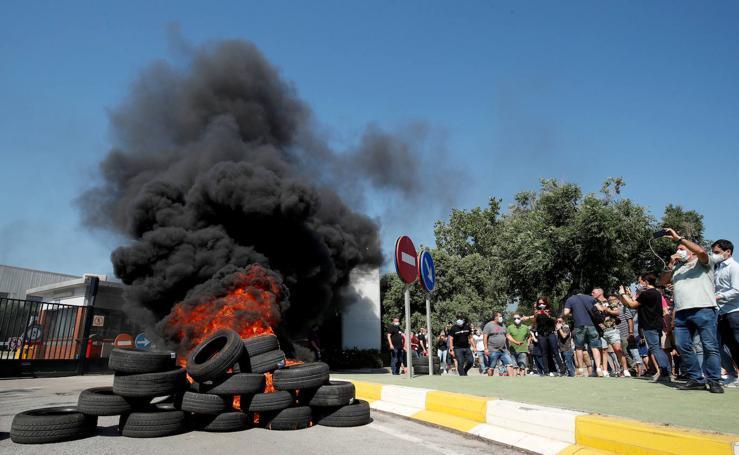 Las protestas por el cierre de Nissan, en imágenes
