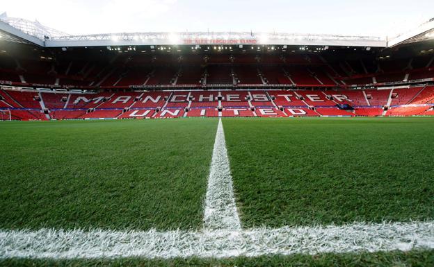 Vista de Old Trafford, donde jugará esta noche el Granada, a ras de césped. /REUTERS