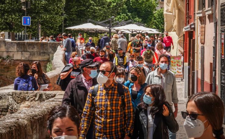 Así estaban las calles del centro de Granada este sábado