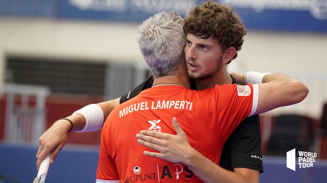 Miguel Yanguas se abraza a su compañero Lamperti. /WPT