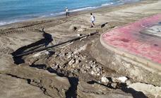 La tormenta destroza la playa de El Zapillo