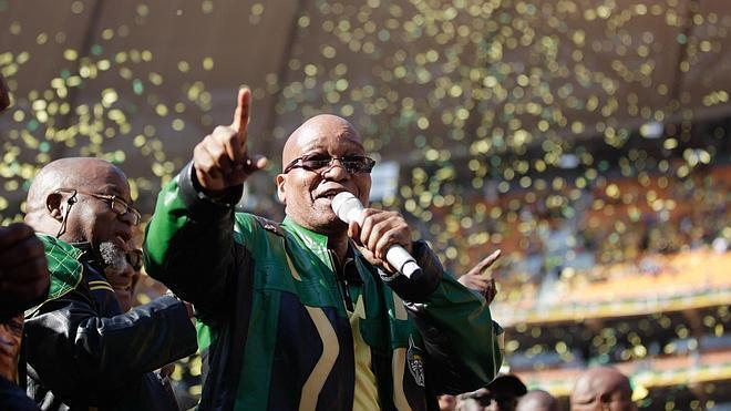 El Congreso Nacional Africano lidera cómodamente el recuento en Sudáfrica