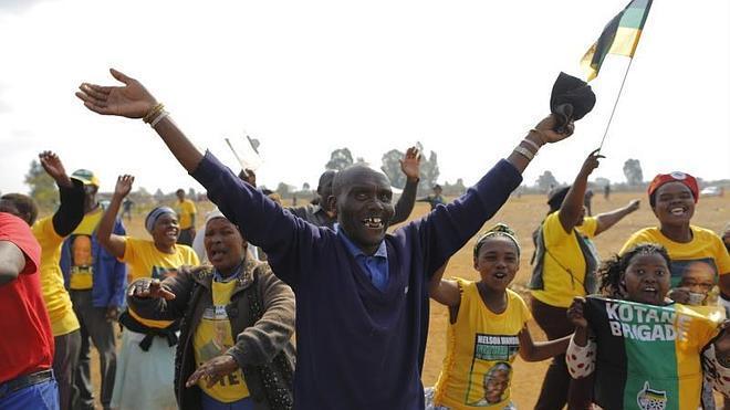 El partido de Mandela logra otra mayoría absoluta en las elecciones en Sudáfrica
