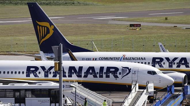 90 pasajeros de Ryanair se amotinan en Valencia al ser desviado un vuelo con destino a Barcelona