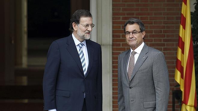 Rajoy: «Si Mas quiere proponer algo que no sea un referéndum ilegal, que lo haga»