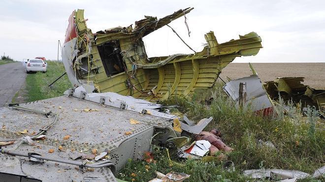 El MH17 que se estrelló en Ucrania fue abatido por «un gran número de proyectiles»