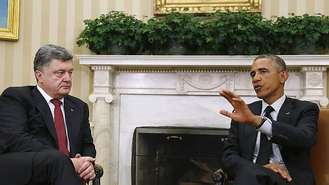 Obama asegura a Poroshenko que presionará por la solución diplomática en Ucrania