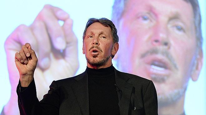 El consejero delegado de Oracle, Larry Ellison, deja el cargo