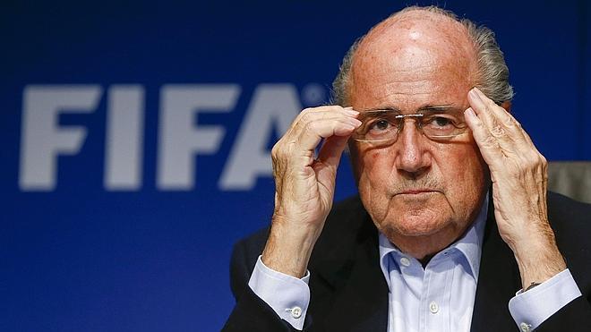 Blatter se encamina a un quinto mandato