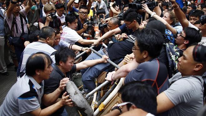 El Gobierno de Hong Kong, dispuesto a usar «todas las medidas» para acabar con la revuelta