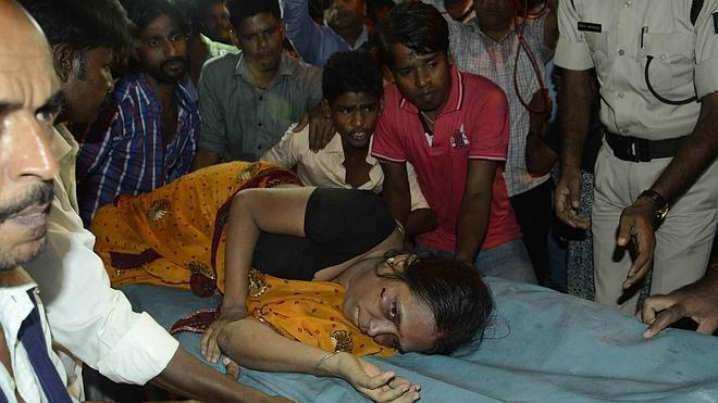 Al menos 33 muertos en una estampida en la India