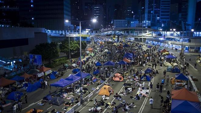 Los paraguas vuelven a abrirse en Hong Kong