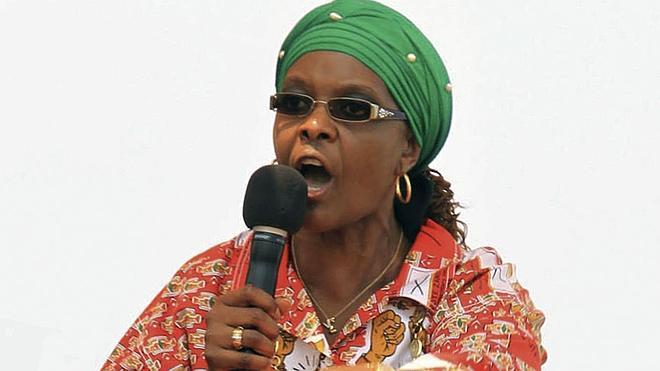 La mujer de Mugabe pide a Zimbabue que le deje «terminar su trabajo»
