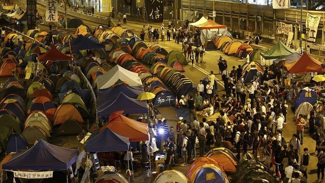 Hong Kong y los estudiantes se preparan para dialogar en un ambiente cargado de tensión
