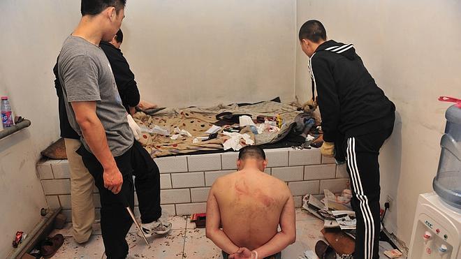 Un informe desvela la tortura a gran escala en las 'cárceles negras' de China