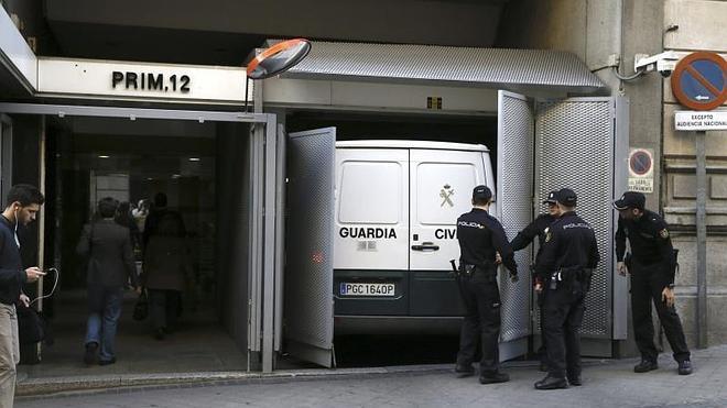 La Guardia Civil traslada a Granados y Marjaliza a los juzgados de guardia