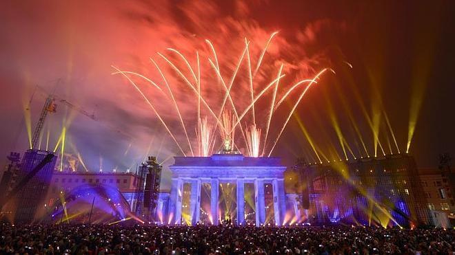 Berlín se vuelca en la fiesta para conmemorar los 25 años de la caída del muro