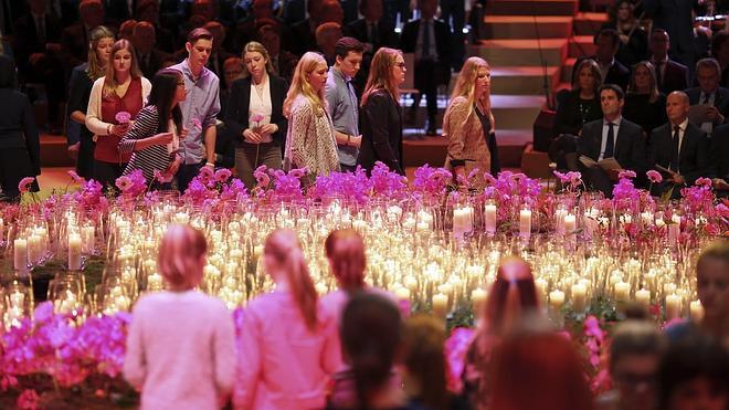 Más de 1.600 familiares recuerdan a las víctimas del vuelo derribado en Ucrania