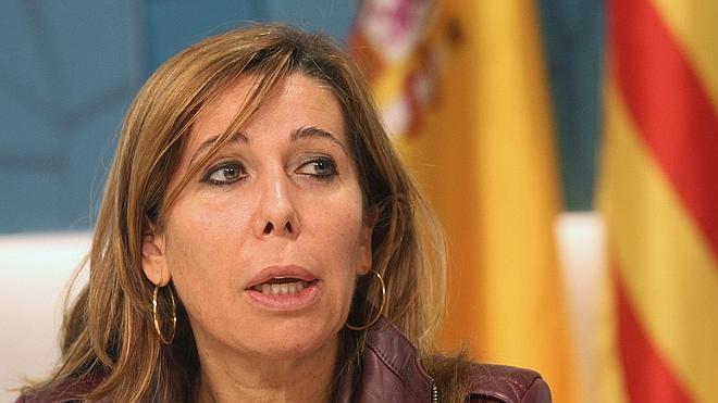 Sánchez-Camacho exige a Mas que abandone el proceso