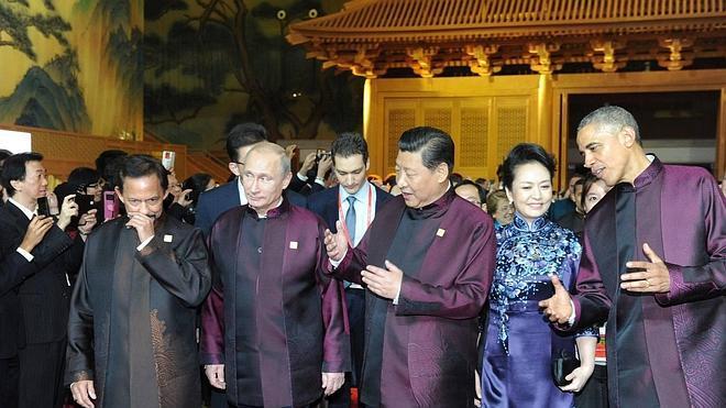 China exhibe galas y músculo de líder mundial