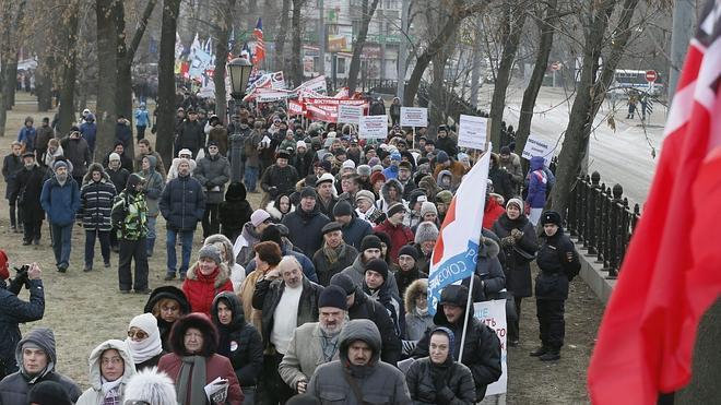 Rusia recorta previsiones y asume que entrará en recesión en 2015