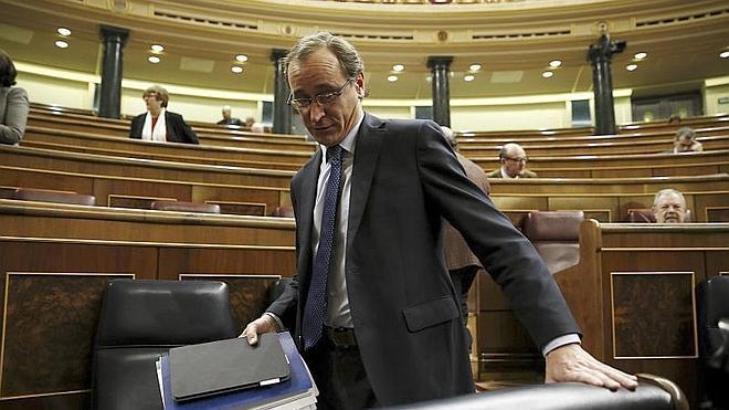 El PSOE tilda de «verdugo» y no de «experto» al nuevo ministro de Sanidad